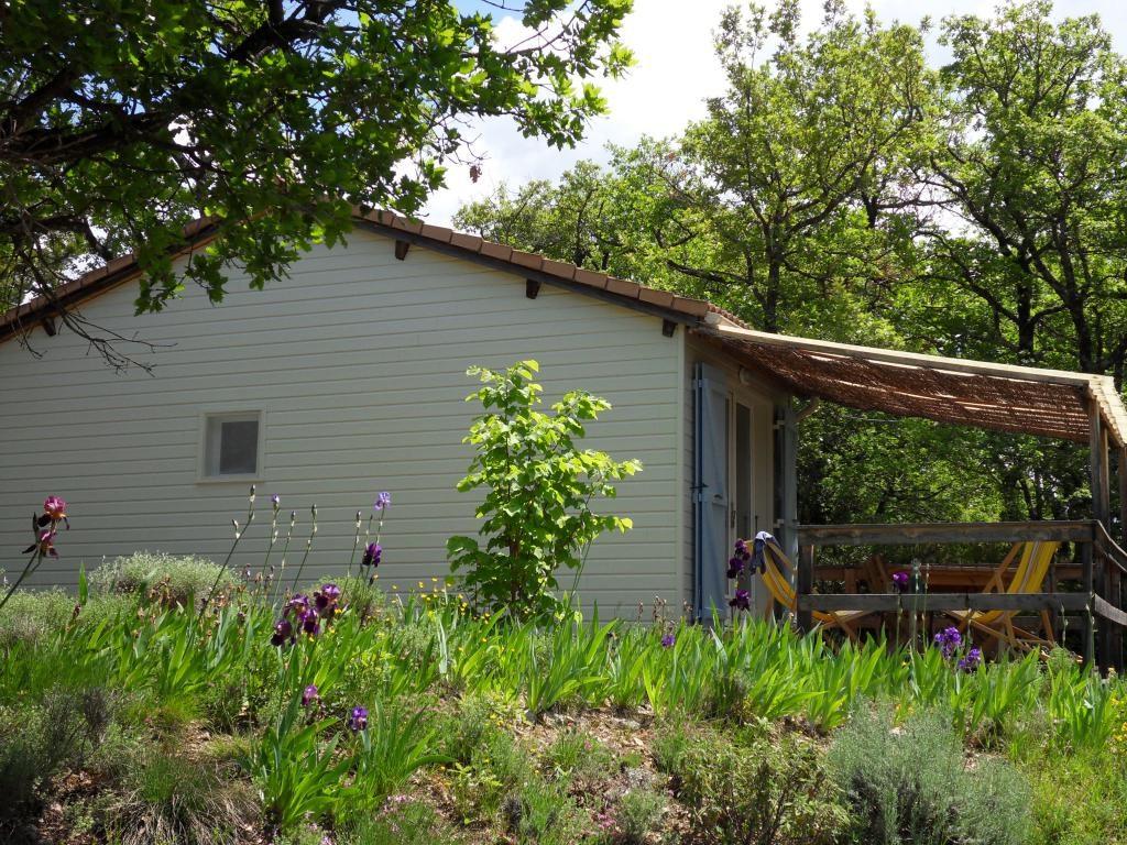 Chalet avec terrasse ombragée