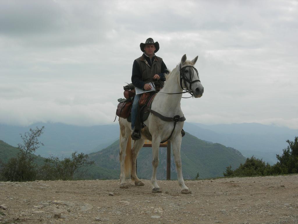 randonnée sur des circuits balisés Drôme à cheval